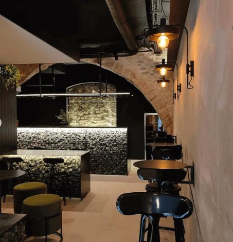 restaurant custom furniture angle exhibits